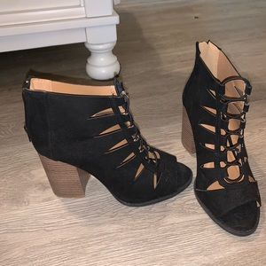 3.5in ankle lace up heels